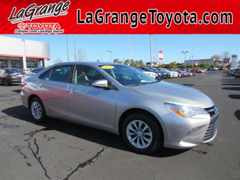 Pre-Owned 2017 Toyota Camry LE Auto
