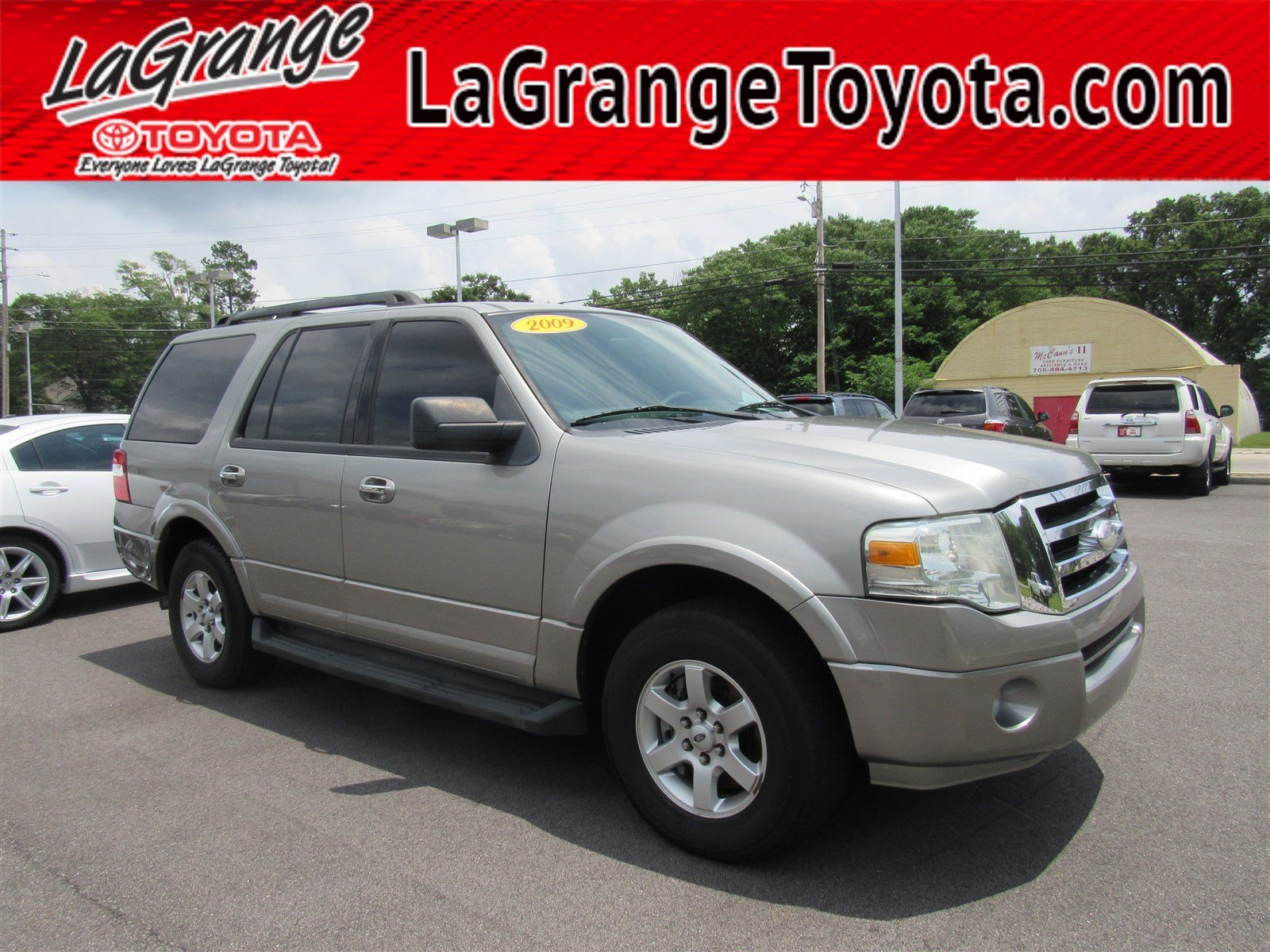 Pre owned 2009 ford expedition 2wd 4dr ssv