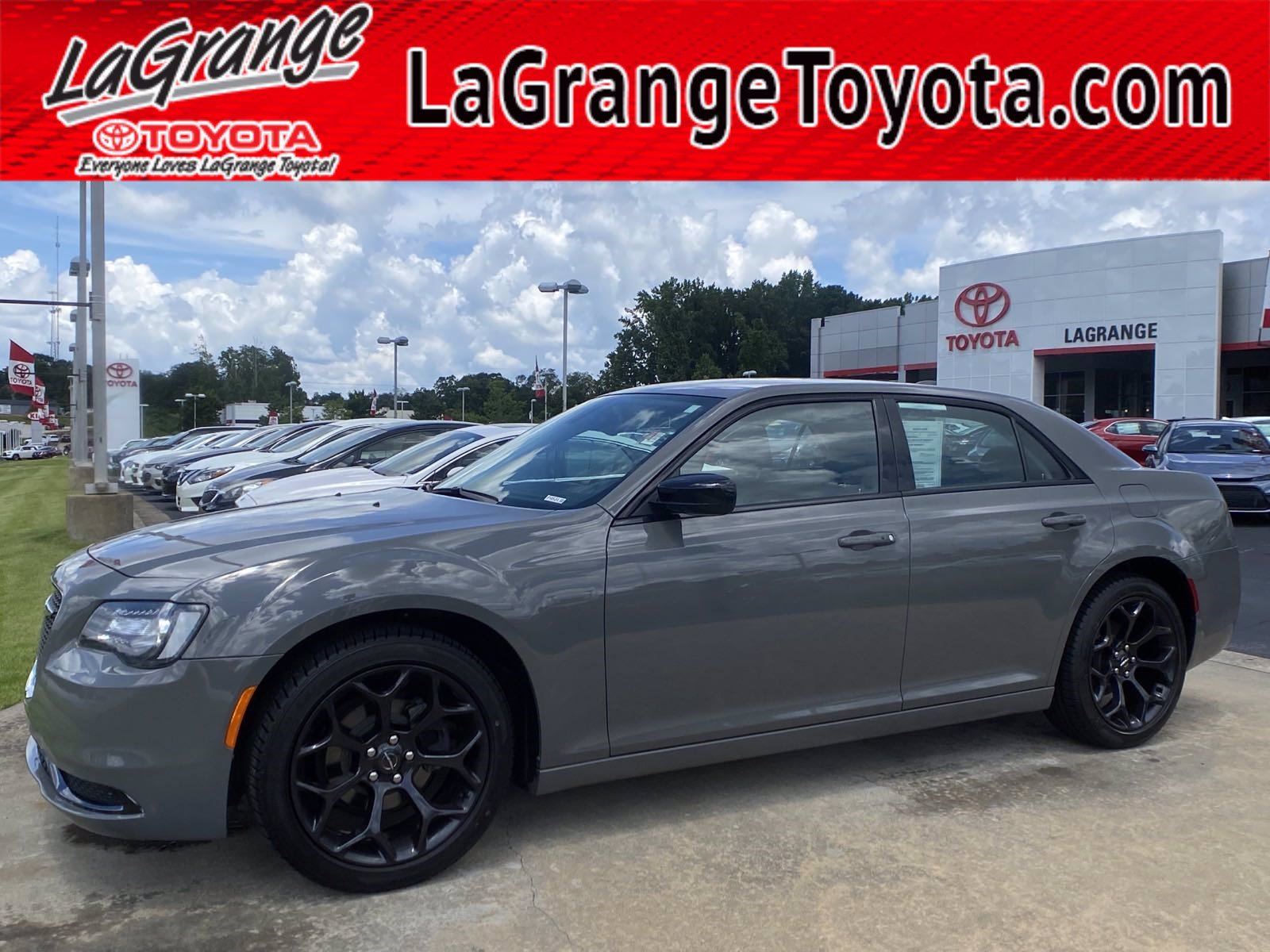 Pre-Owned 2019 Chrysler 300 Touring RWD
