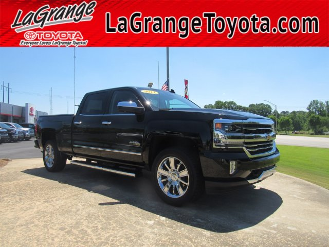 Pre-Owned 2017 Chevrolet Silverado 1500 4WD Crew Cab 153.0 High Country