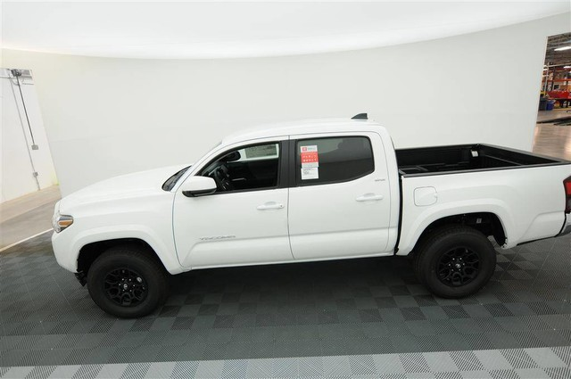 New 2020 Toyota Tacoma SR5 Double Cab 5' Bed V6 AT W/Navigation