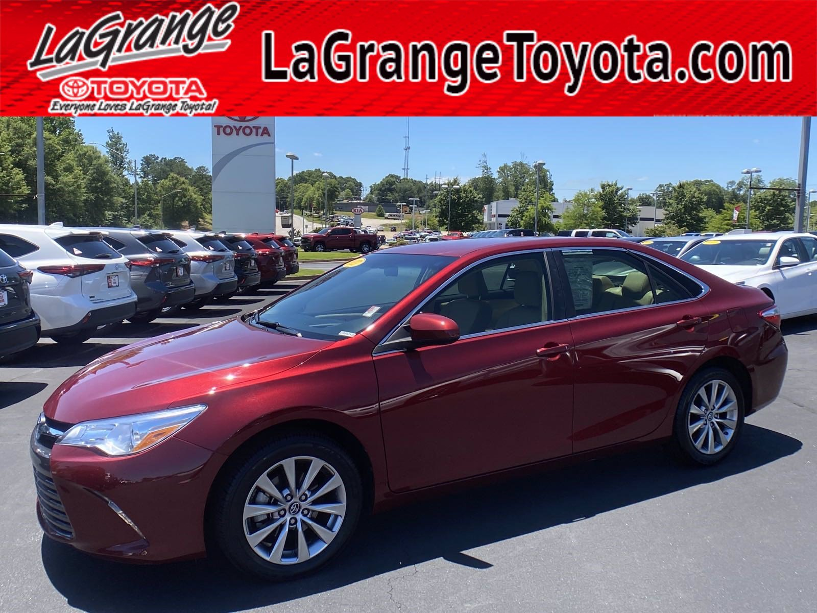 Pre-Owned 2017 Toyota Camry XLE Auto (Natl)