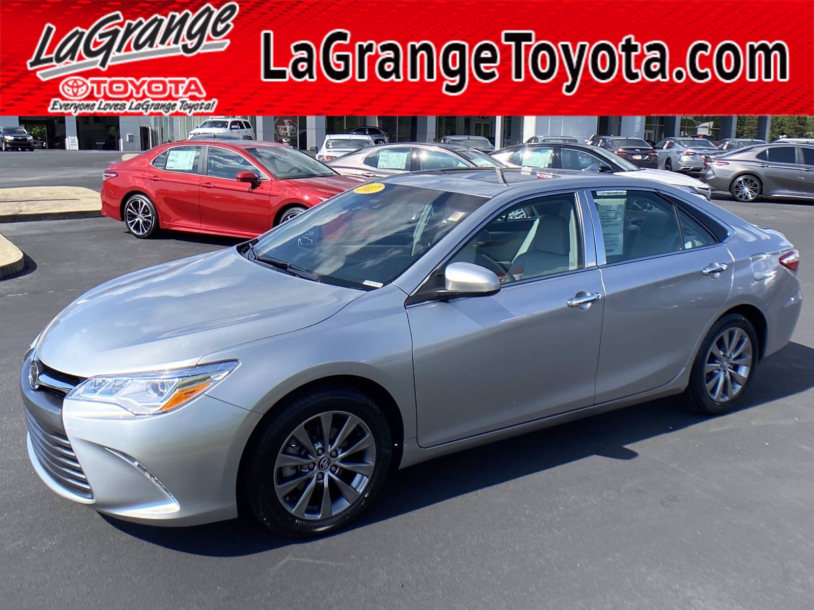 Pre-Owned 2017 Toyota Camry XLE V6 Auto (Natl)