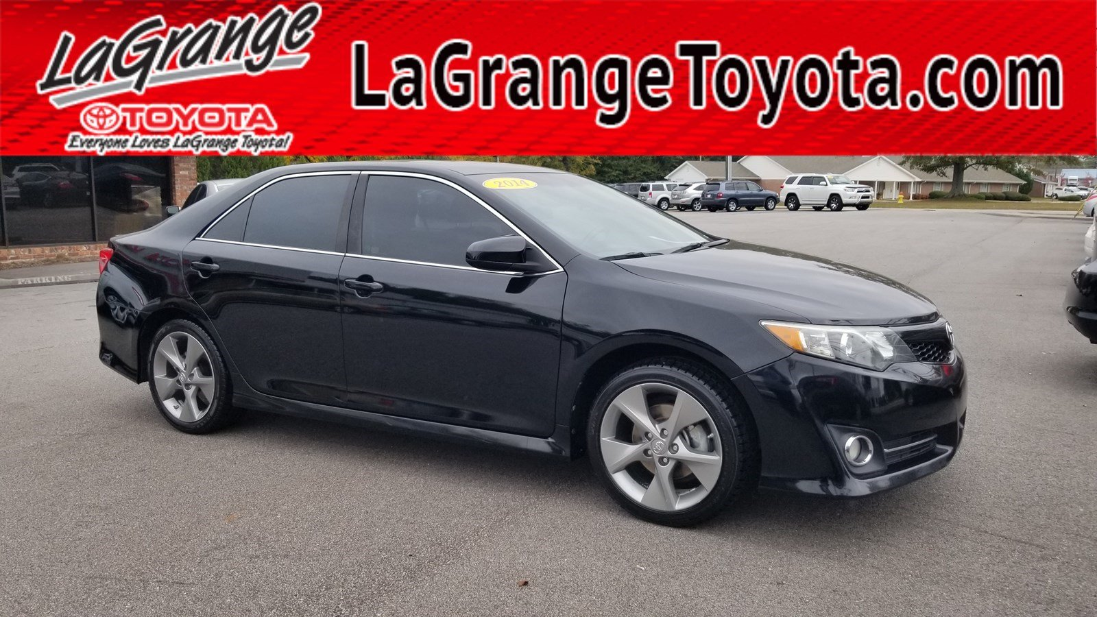 Pre-Owned 2014 Toyota Camry 2014.5 4dr Sdn V6 Auto SE