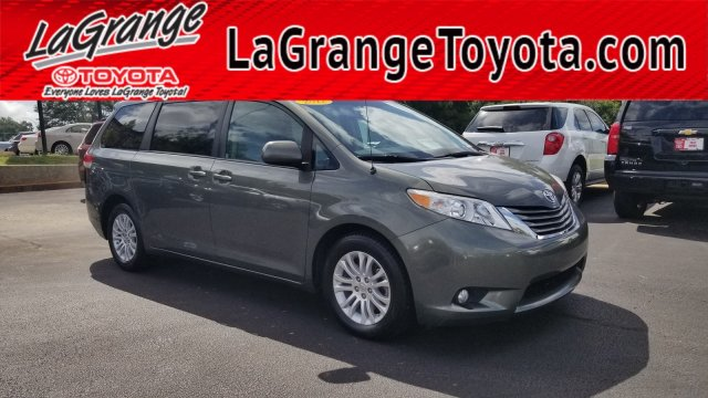 Pre-Owned 2012 Toyota Sienna 5dr 7-Pass Van V6 XLE AAS FWD