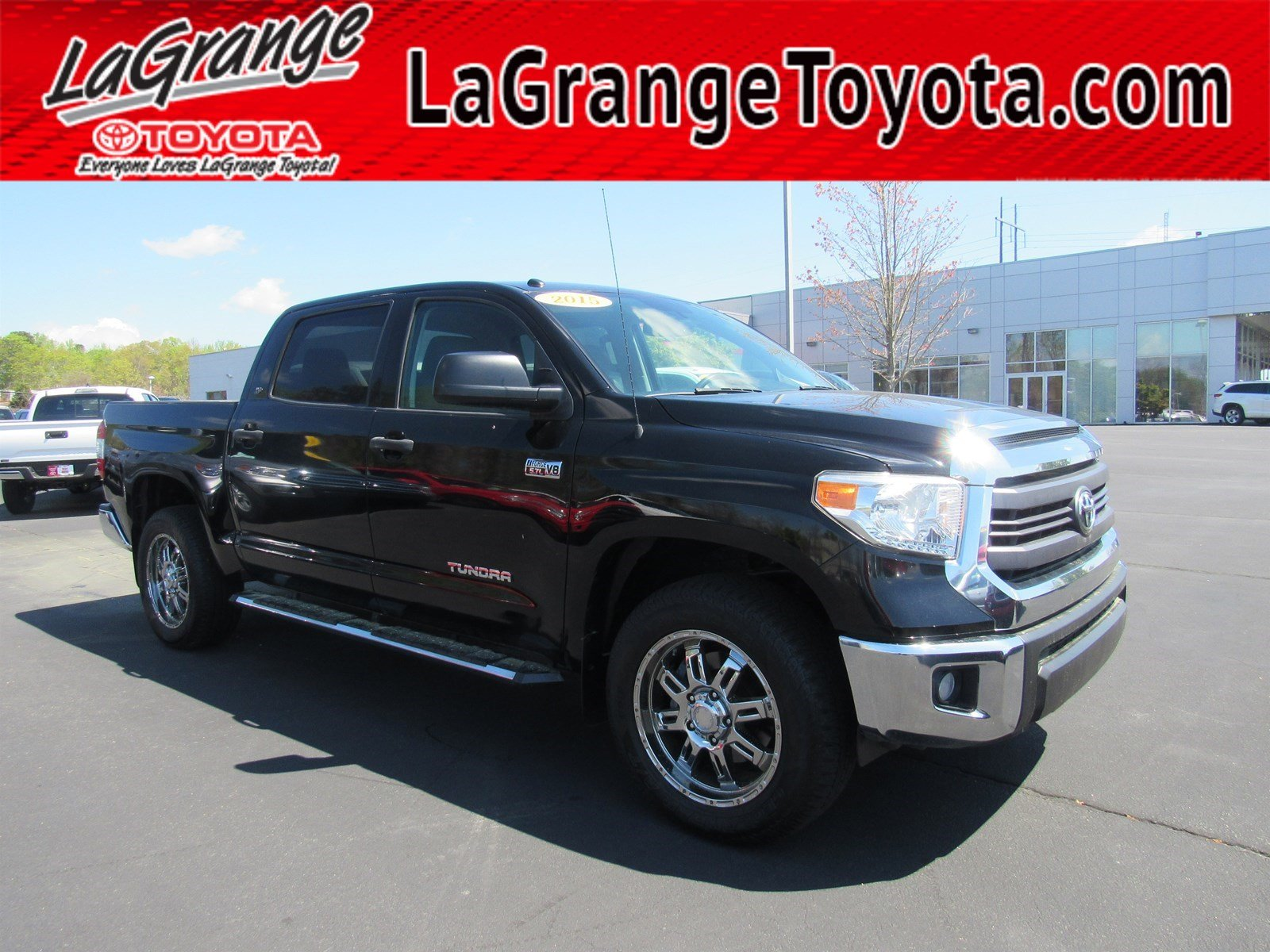 Pre-Owned 2015 Toyota Tundra 4WD Truck CrewMax 5.7L FFV V8 6-Spd AT SR5