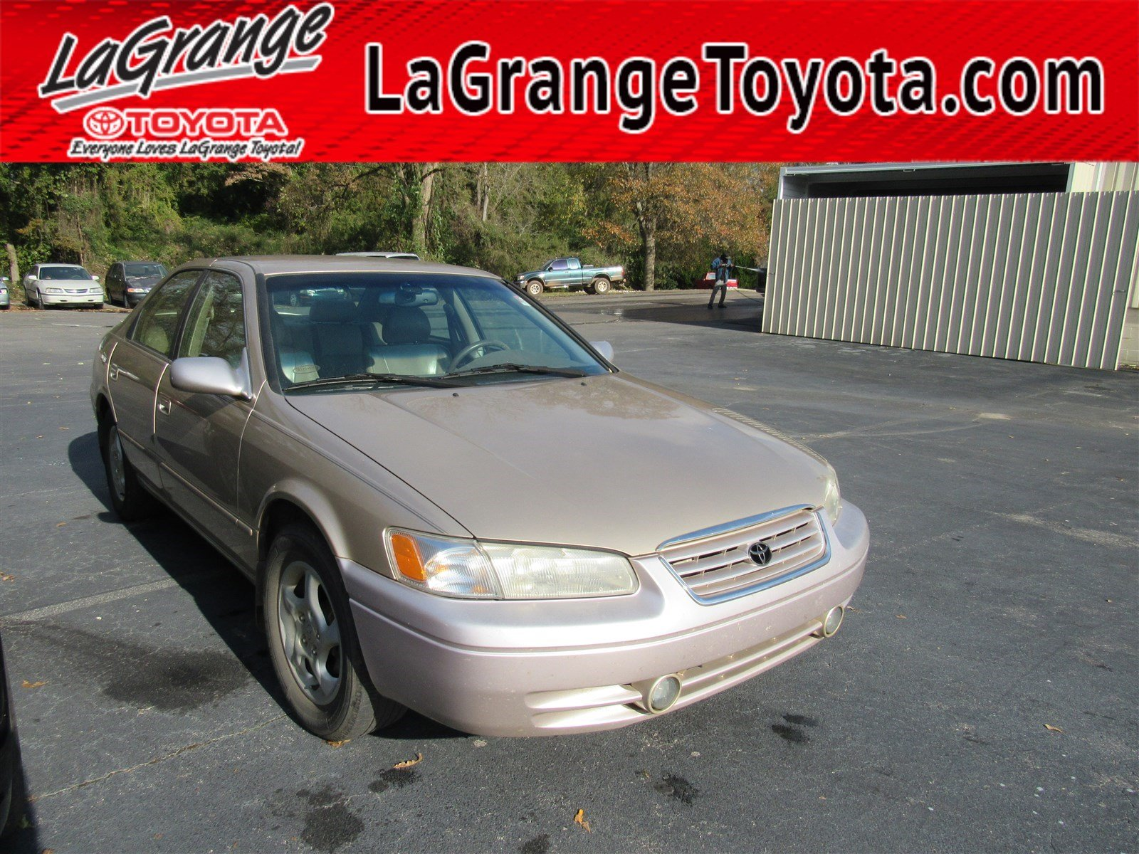 Pre-Owned 1998 Toyota Camry 4dr Sdn LE V6 Auto