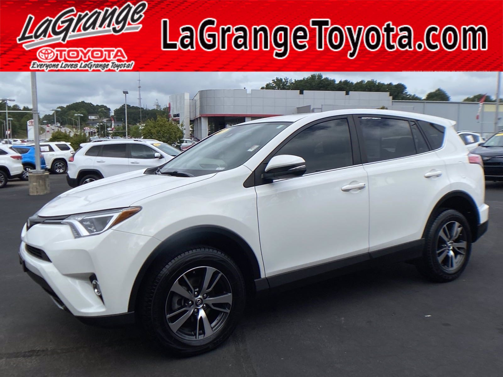 Pre-Owned 2017 Toyota RAV4 XLE FWD (Natl)