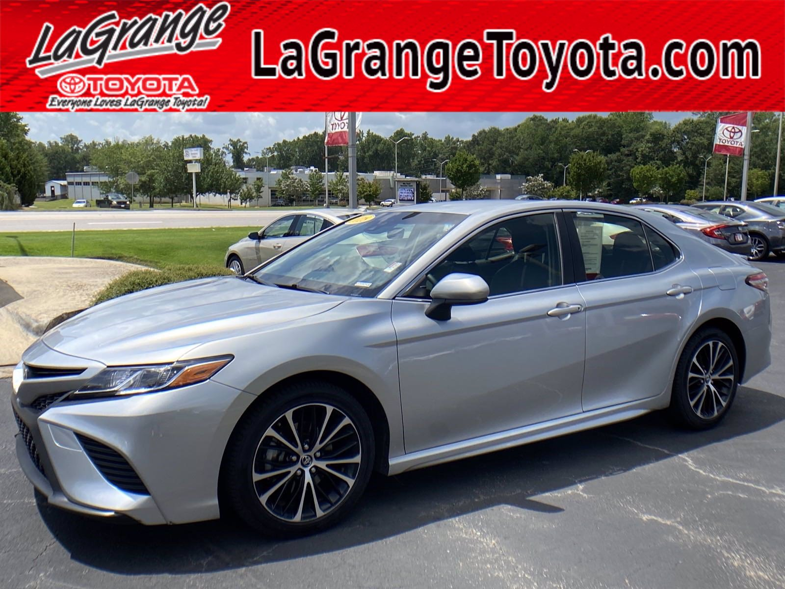 Pre-Owned 2018 Toyota Camry SE Auto (Natl)