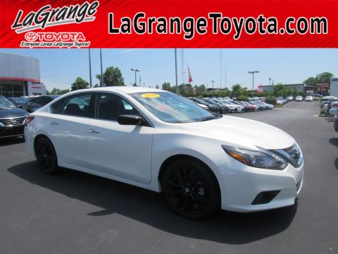 Pre-Owned 2017 Nissan Altima 2017.5 2.5 SR Sedan