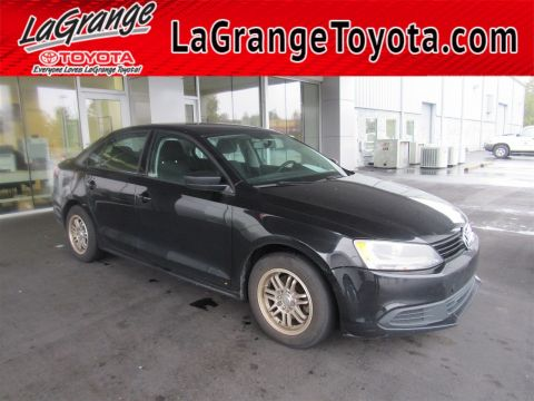 Pre-Owned 2012 Volkswagen Jetta Sedan 4dr Manual Base